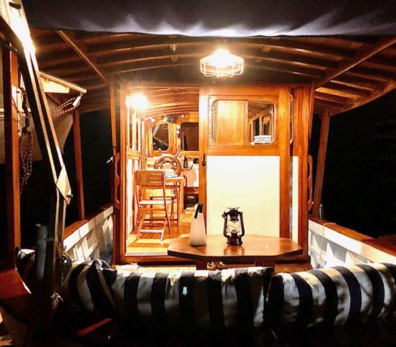 le cockpit la nuit